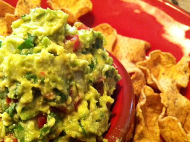 Quick & Easy Guacamole - acedarspoon.com