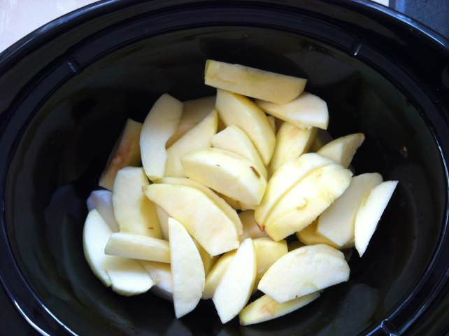 Crockpot Applesauce ready to cook