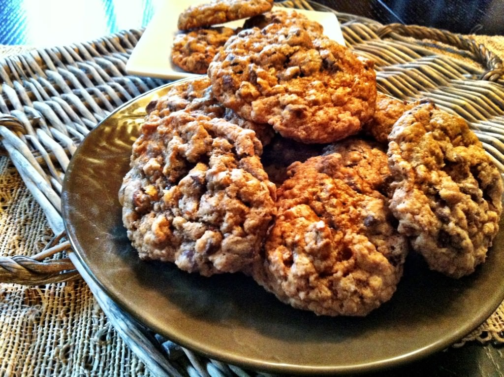 Whole Wheat Oatmeal Chocolate Chip Cookies from A Cedar Spoon