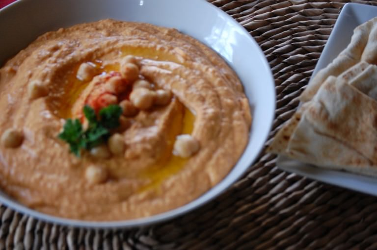 delicious Roasted Red Pepper Hummus
