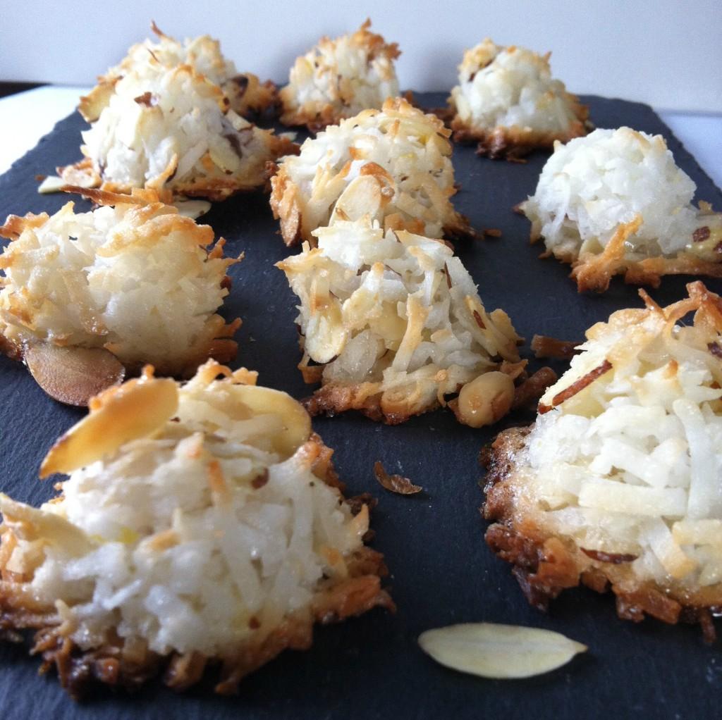 Lemony Almond Macaroons cookies