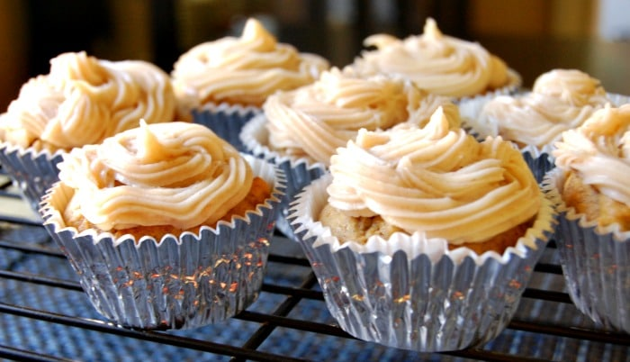 Pumpkin Cupcakes with Maple Cinnamon Cream Cheese Frosting