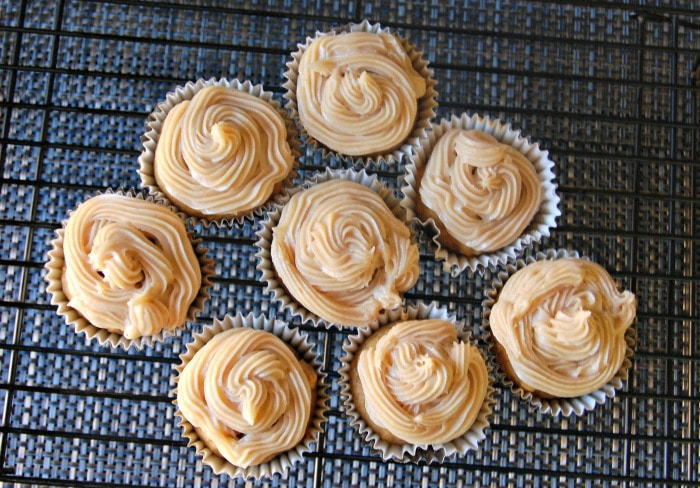cupcakes - Pumpkin Cupcakes with Maple Cinnamon Cream Cheese Frosting