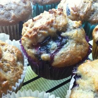 Cinnamon Yogurt Blueberry Muffins