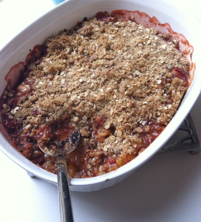Strawberry Rhubarb Crisp {A Virtual Shower for Stephanie of Girl ...