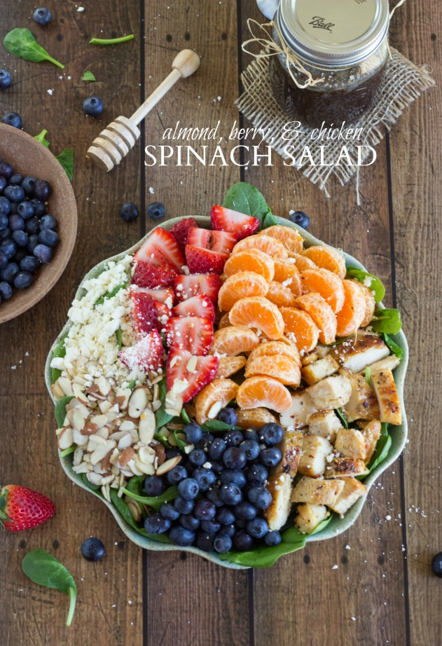 Almond-Berry-and-Chicken-Spinach-Salad-with-a-delicious-and-easy-dressing