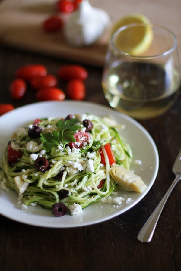mediterranean-zucchini-noodle-pasta-hero