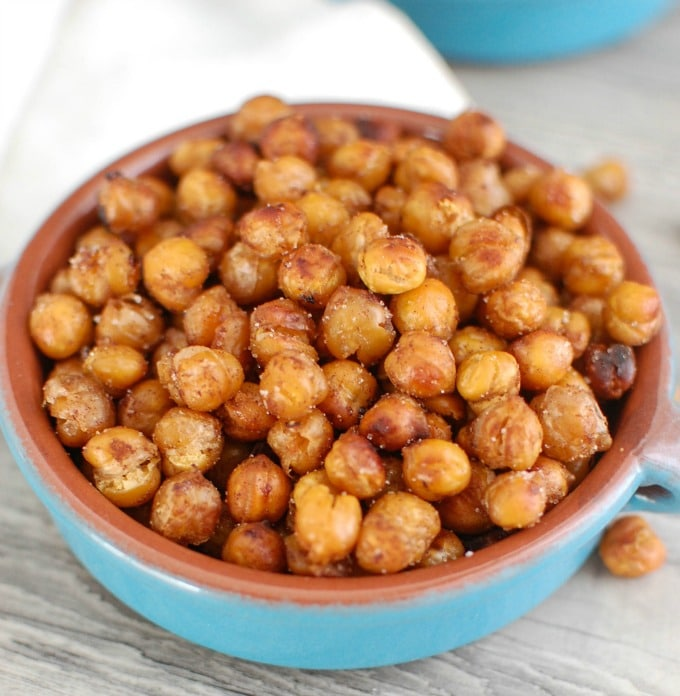 Crunchy Roasted Chickpeas - healthy snacking