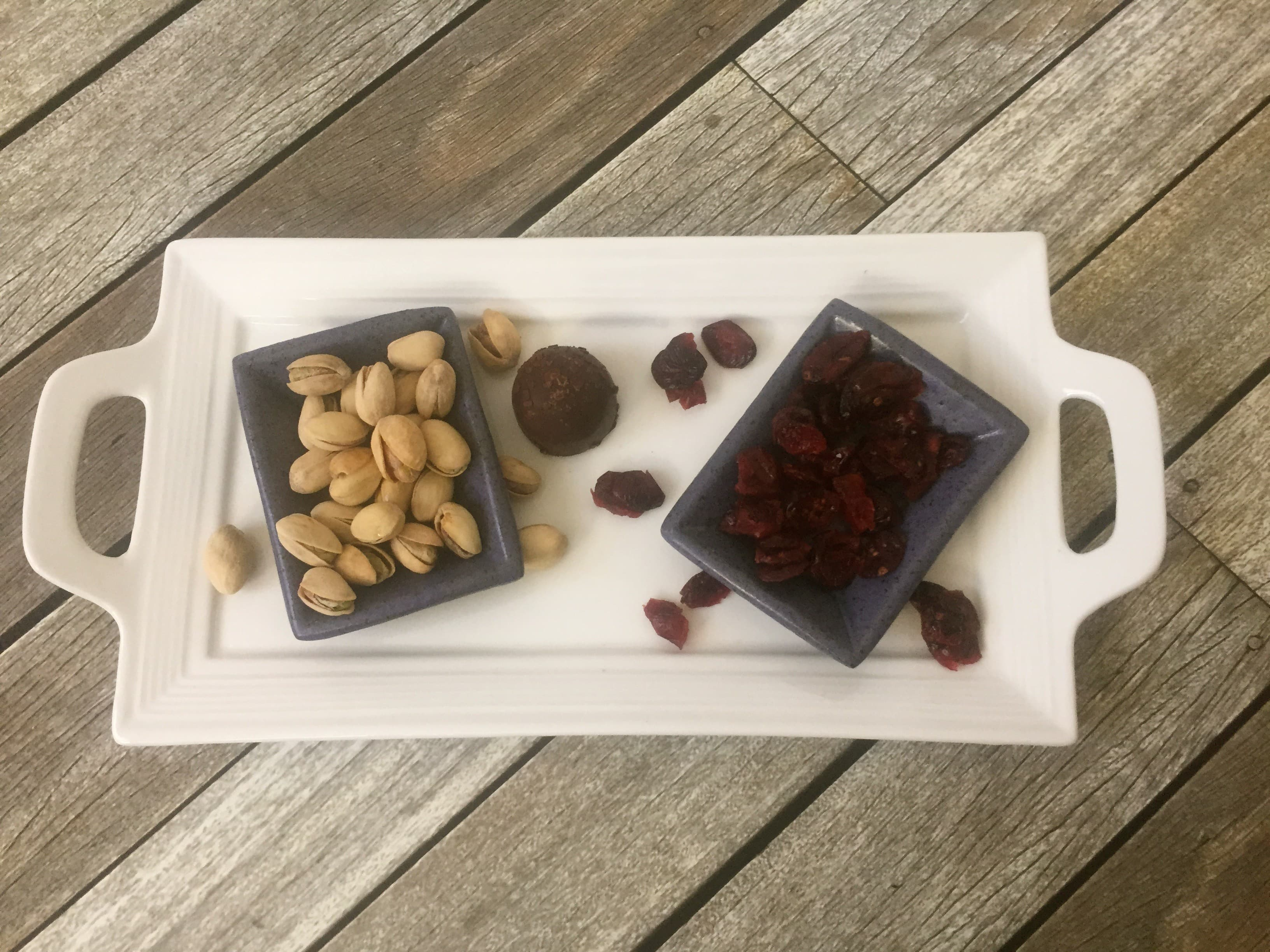 Pistachios with dried cranberries and chocolate