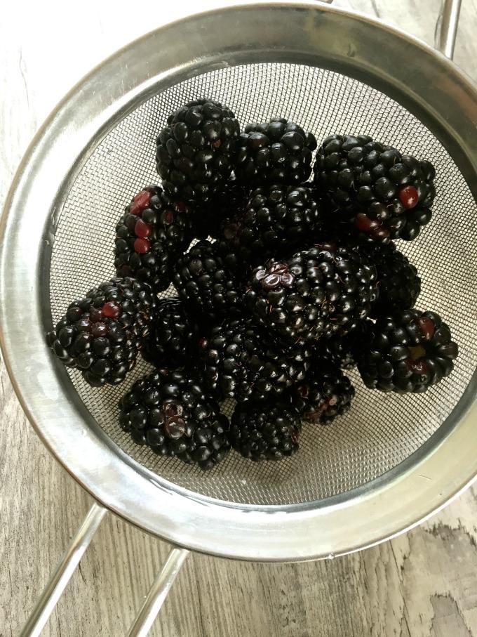 Overnight Blackberry Chia Pudding