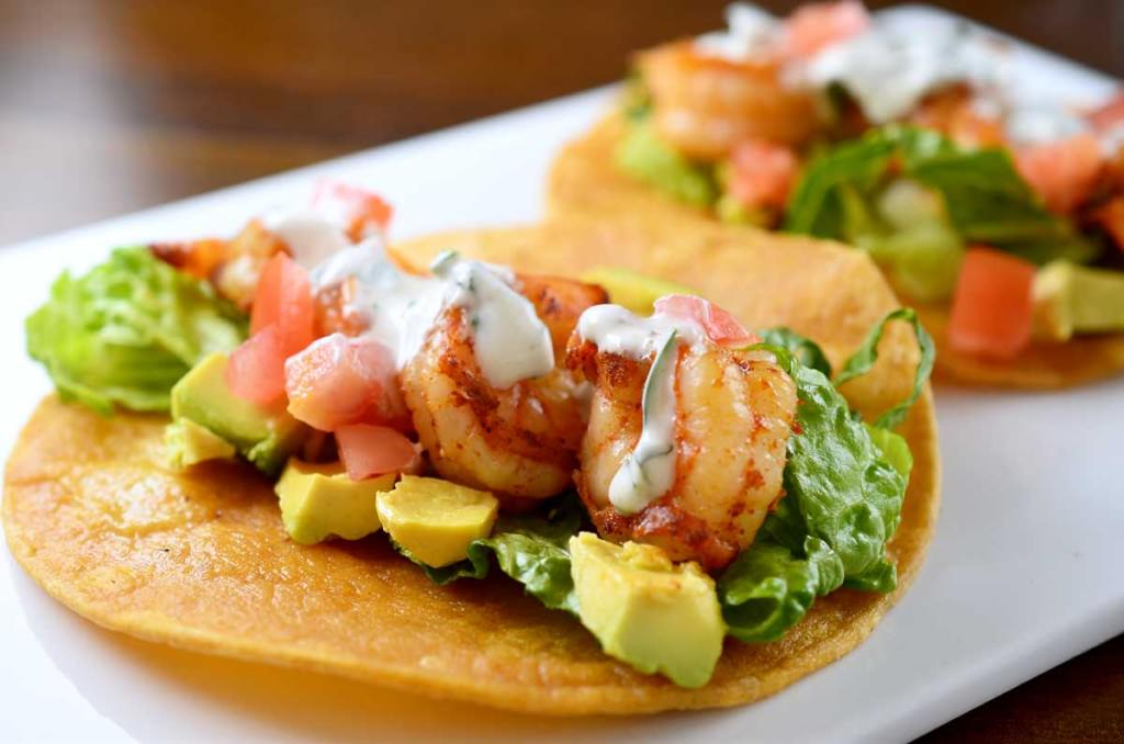 shrimp-tacos-with-cilantro-lime-sour-cream