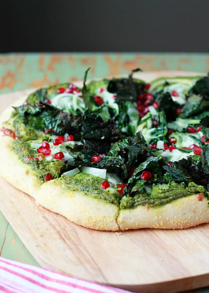 kale-pomegranae-pizza-with-creamy-pesto-sauce5
