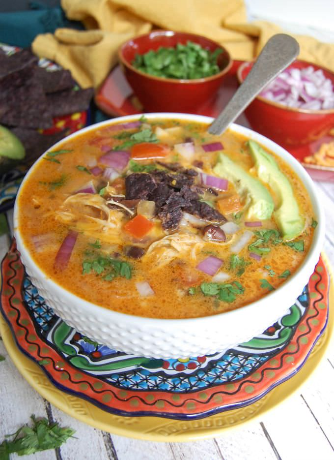 Slow Cooker Mexican Cheesy Chicken Soup - the best