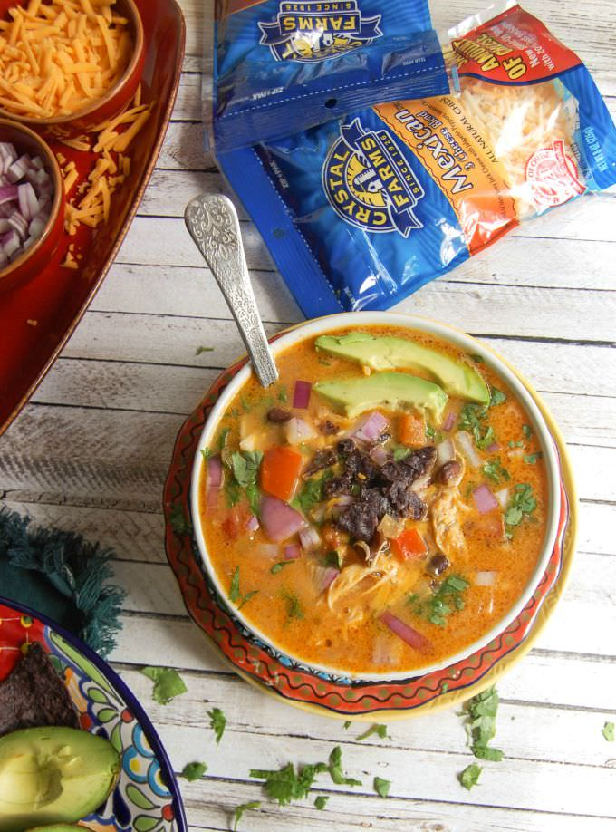 Slow Cooker Mexican Cheesy Chicken Soup - yum!