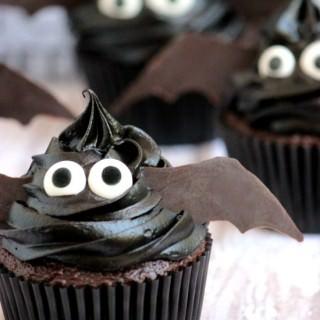 Easy Bat Cupcakes