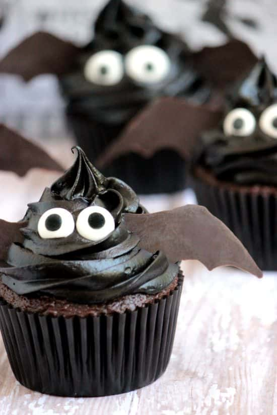 Easy bat cupcakes a cedar spoon - Halloween decorations for cupcakes ...