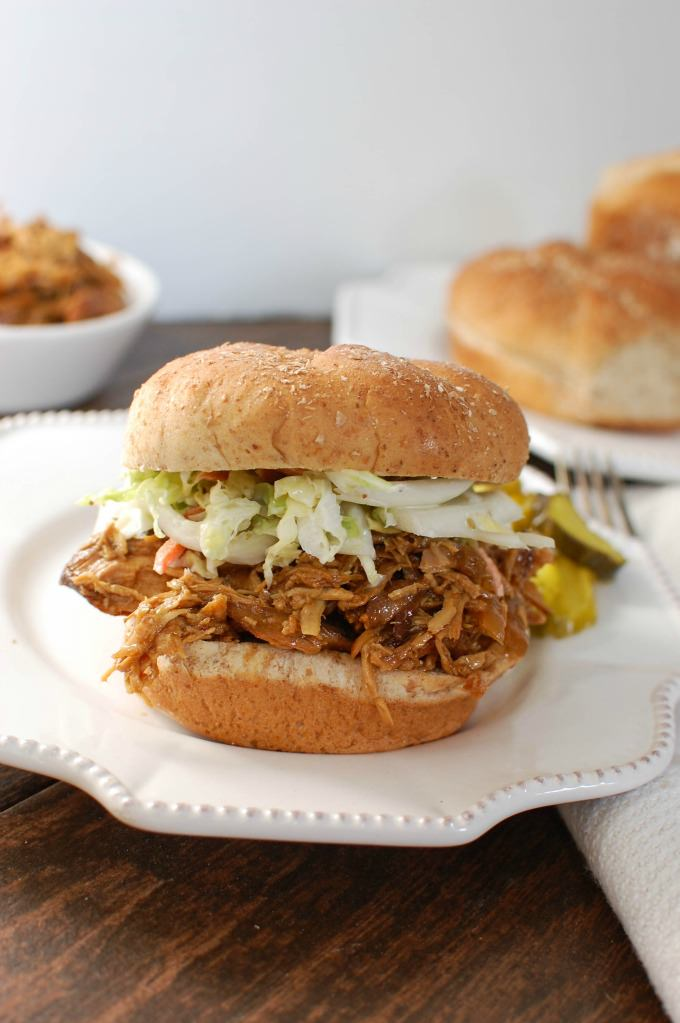 Slow Cooker BBQ Pulled Chicken Sandwich - yum