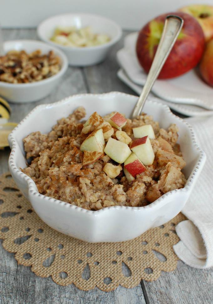 1Slow-Cooker-Apple-Pie-Oatmeal-1-of-1