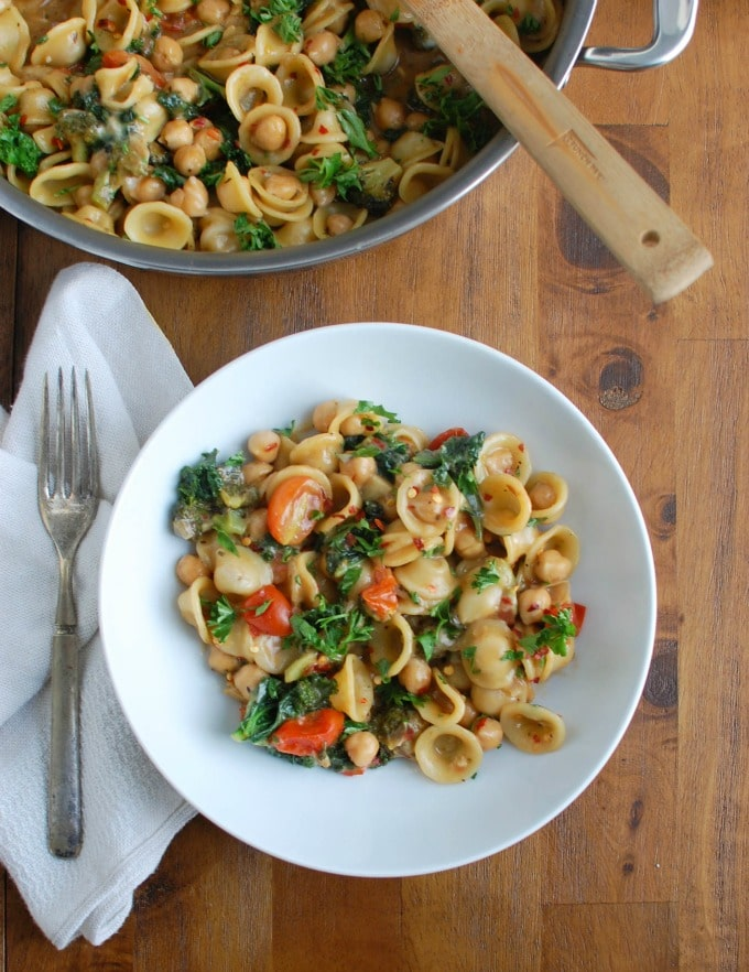 One Pot Kale Broccoli Chickpea Orecchiette Pasta - healthy