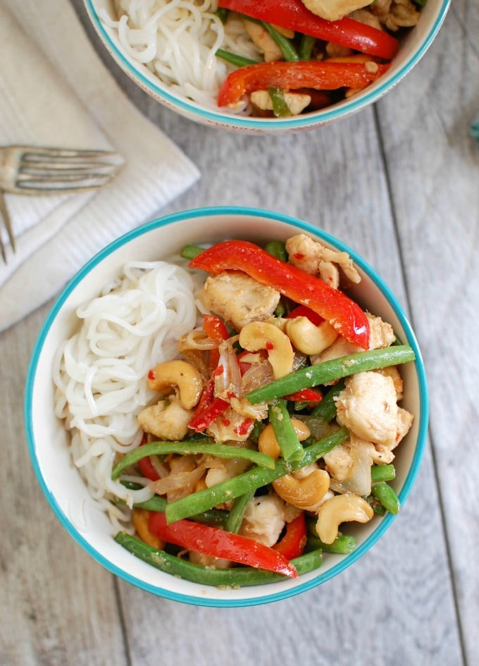 Lemongrass Chicken Noodle Bowls - easy dinner idea!
