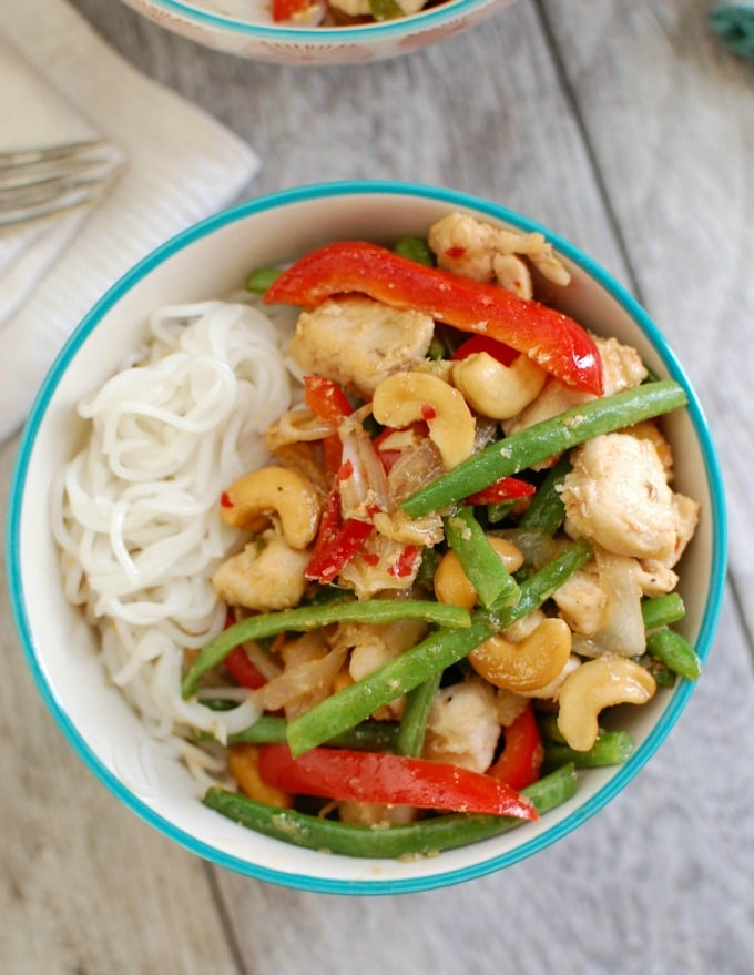 Lemongrass Chicken Noodle Bowls - Asian inspired food