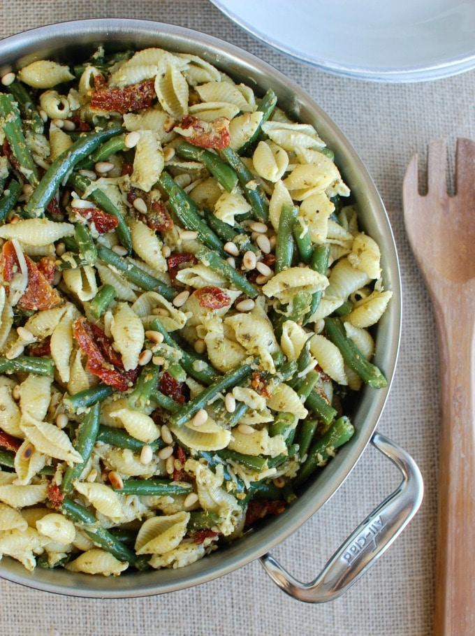 with Green Beans, Sun-dried Tomatoes and Toasted Pine Nuts - fast dinner