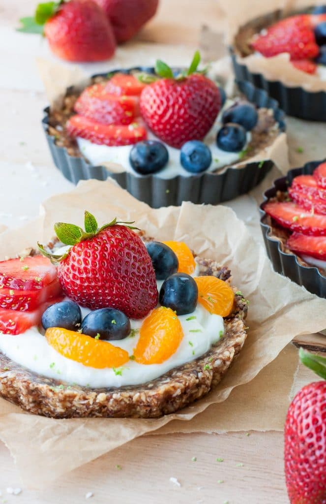easy-no-bake-coconut-lime-fruit-yogurt-tarts-recipe-PEASandCRAYONS-3441