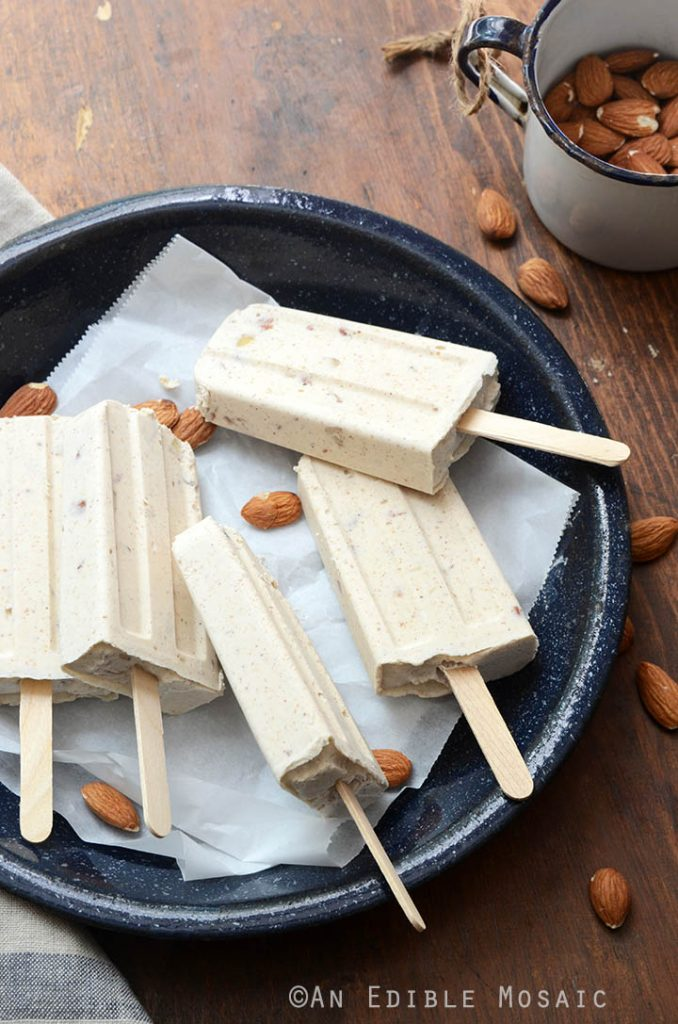Cinnamon-and-Toasted-Almond-Dulce-de-Leche-Cheesecake-Popsicles-1