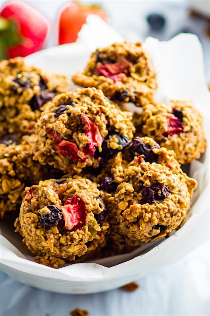 One-Bowl-Berry-Oatmeal-Breakfast-Cookies-Healthy-Egg-Free-Option-copy