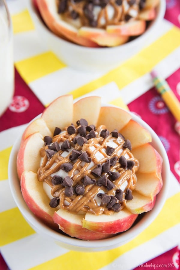 peanut-butter-chocolate-chip-cheesecake-apple-nachos-bowls-recipe-3088