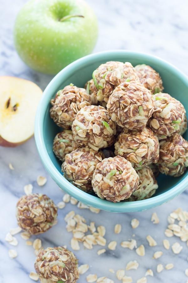 apple-cinnamon-energy-bites-15291