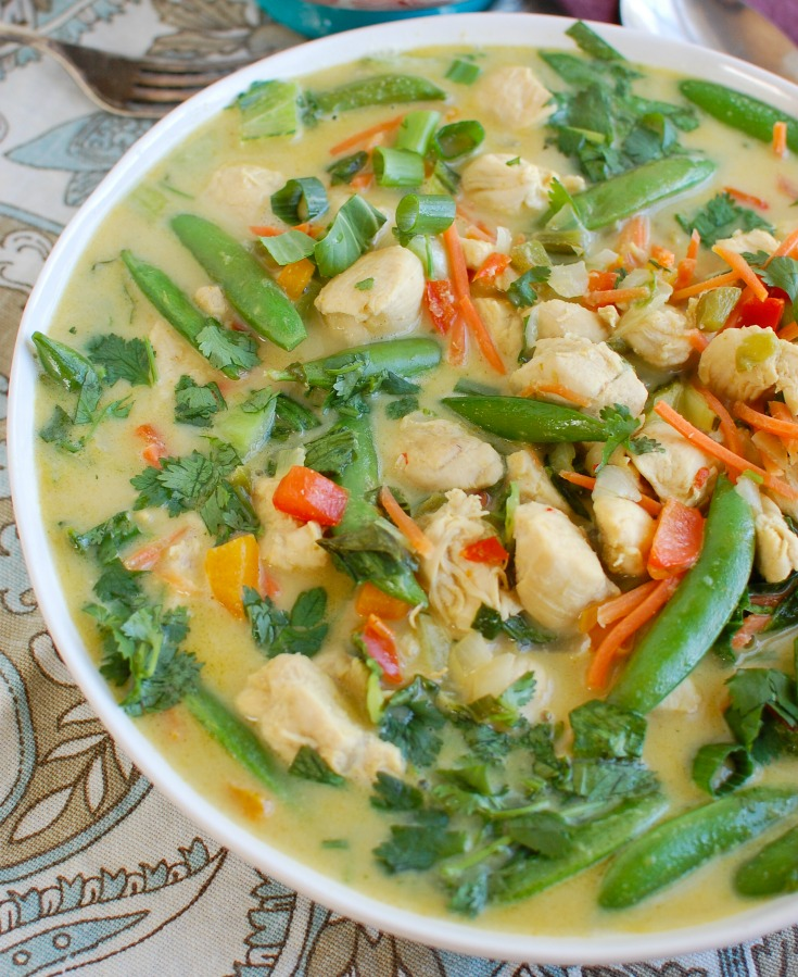 Easy Green Curry Chicken in a white bowl