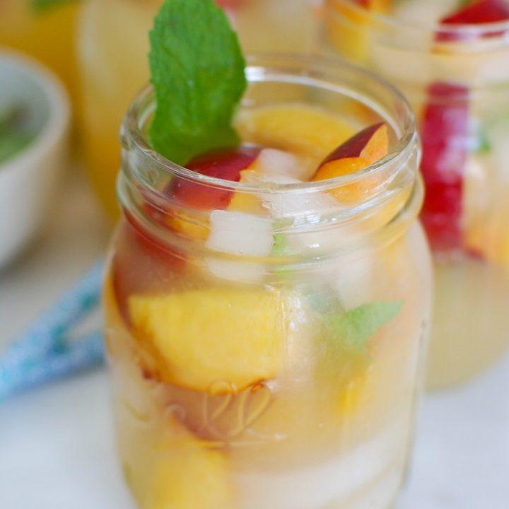 Sparkling Peach Lemonade Mason Jar