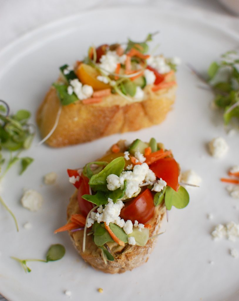 Mediterranean Crostini with parsley