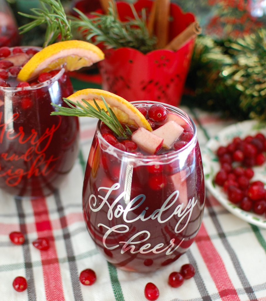 Christmas Sangria with fruit