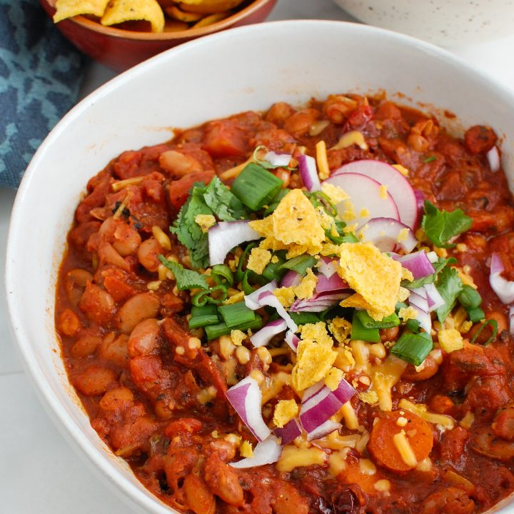 Vegetarian Chili Recipe in white bowl