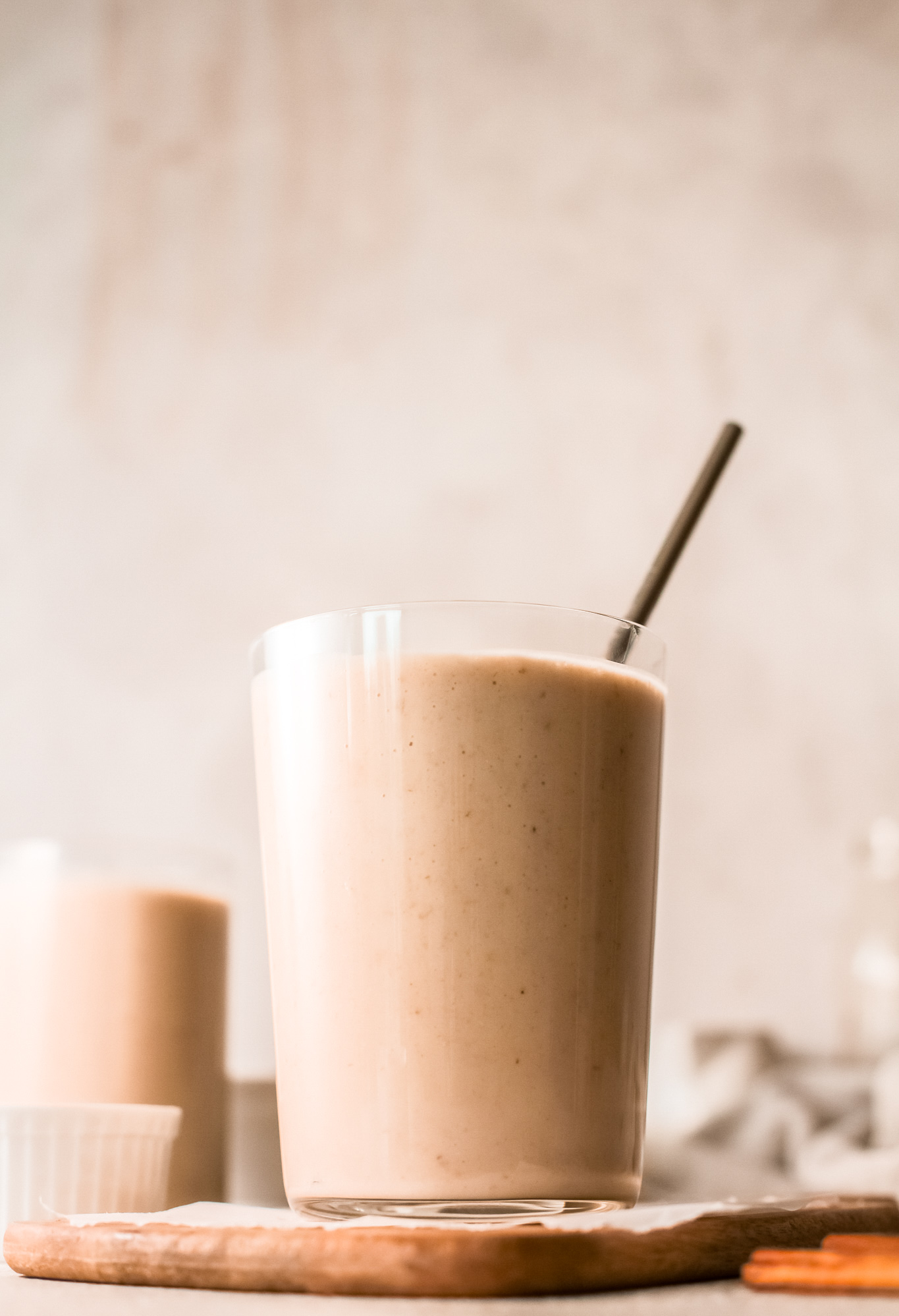 Oat Smoothie Recipe with straw.